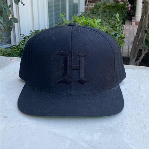Black H SnapBack 🧢🖤